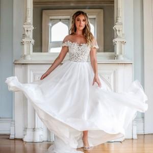 barbara kavchok fall 2019 bridal collection featured on wedding inspirasi thumbnail