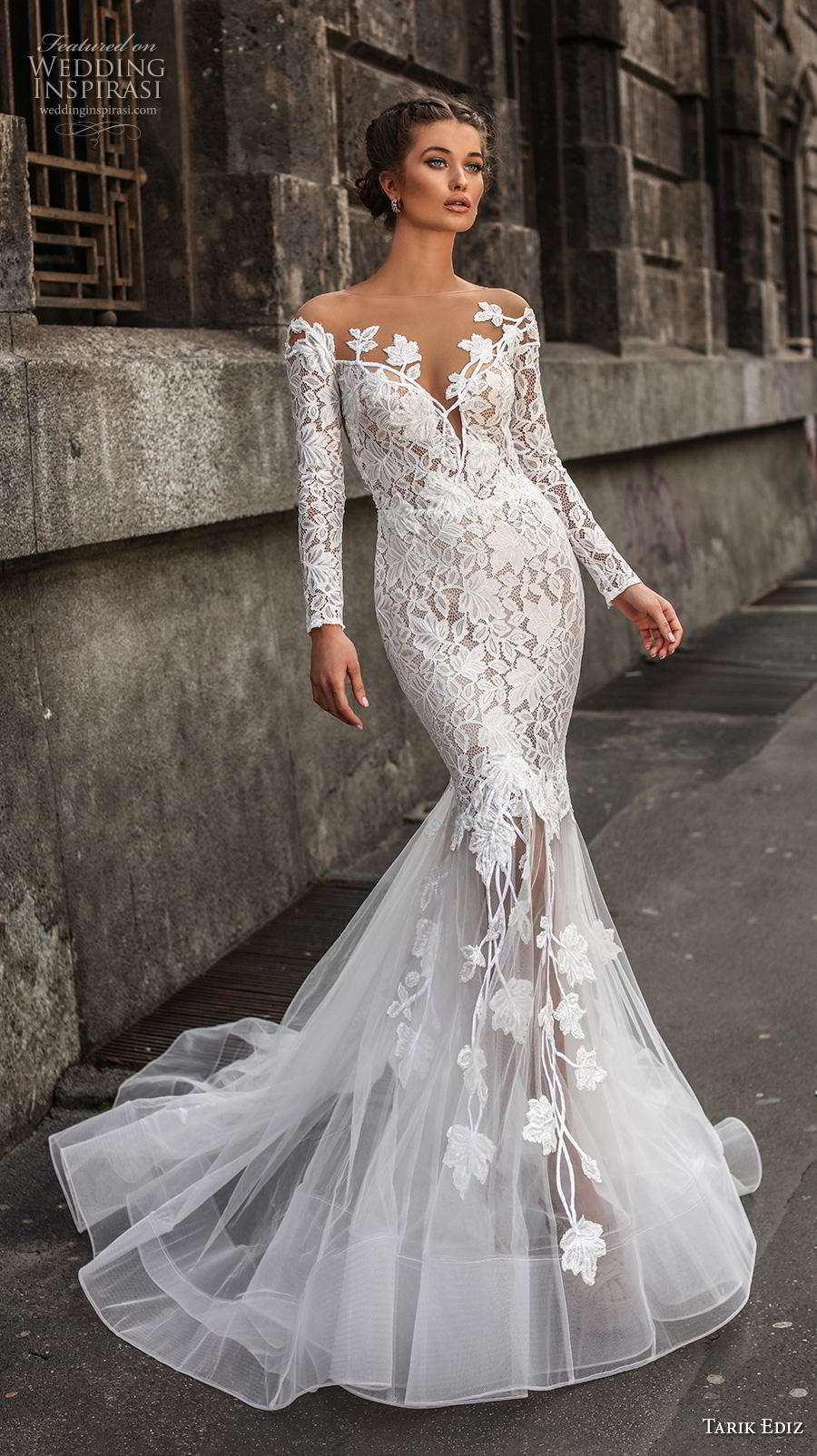 tarik ediz 2019 bridal long sleeves sheer bateau deep sweetheart neckline heavily embellished bodice elegant mermaid wedding dress lace button back chapel train (20) mv