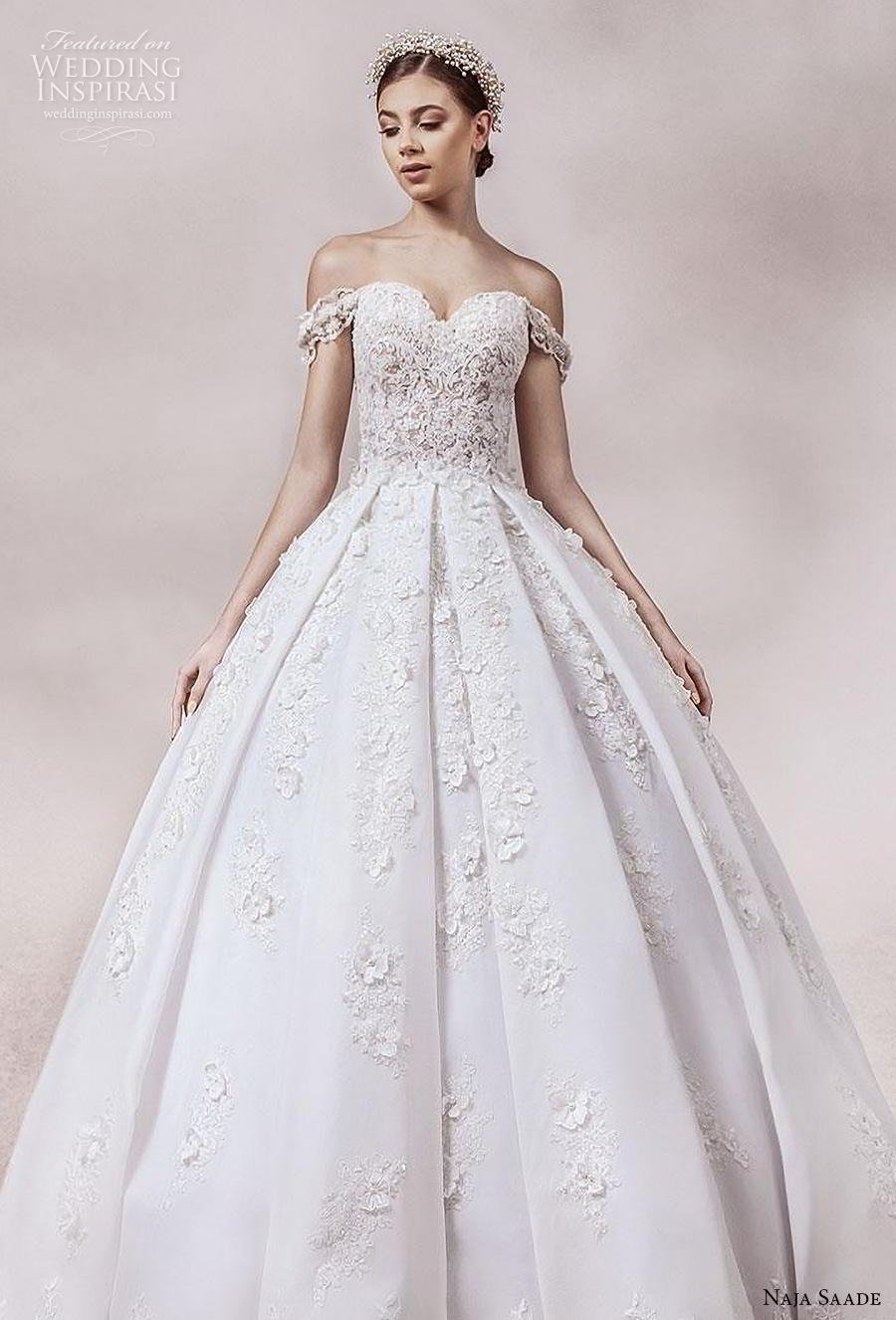 naja saade 2018 bridal off the shoulder sweetheart neckline heavily embellished bodice princess romantic ball gown a  line wedding dress mid back chapel train (12) zv