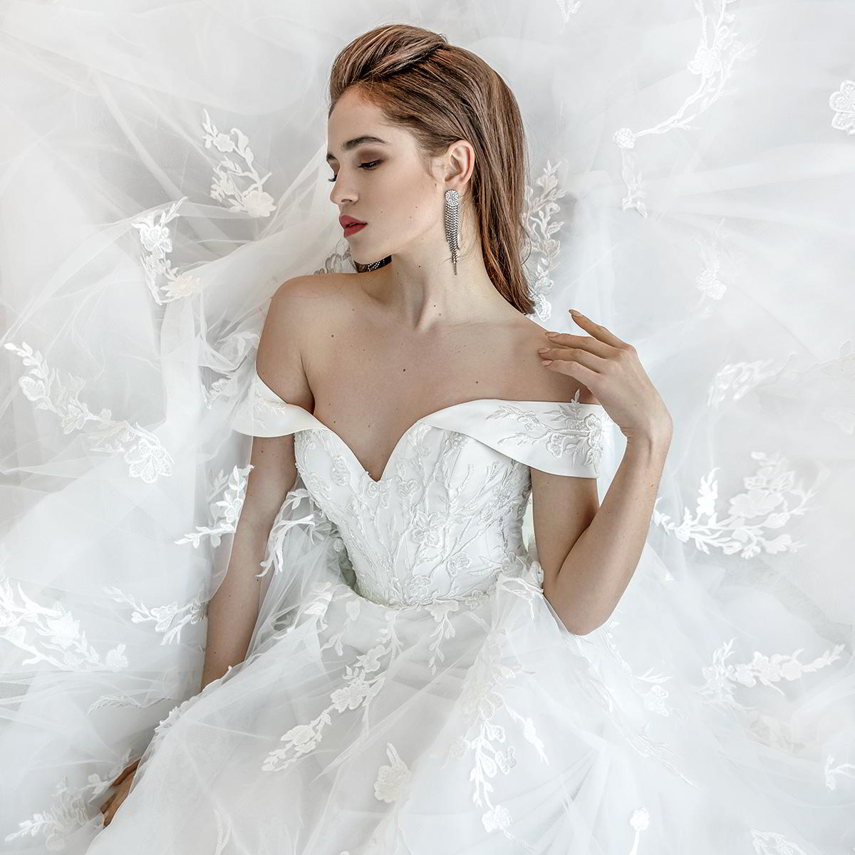 oleg baburow 2019 bridal wedding inspirasi featured wedding gowns dresses and collection