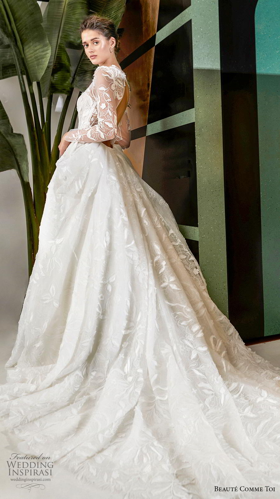 beaute comme toi 2019 bridal long sleeves illusion jewel sweetheart neckline full embellishment elegant princess a  line wedding dress keyhole back chapel train (quennia) sdv