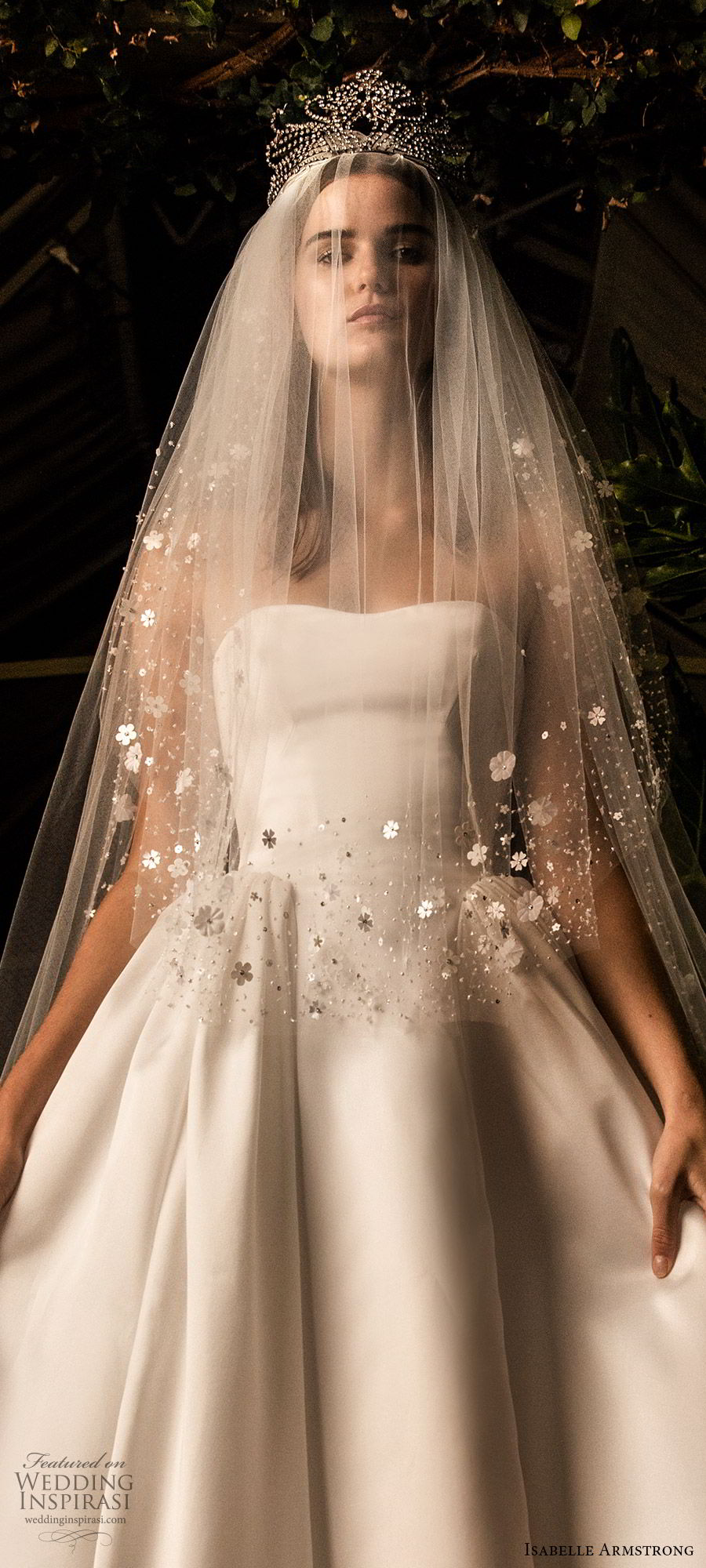 isabelle armstrong fall 2019 bridal strapless semi sweetheart ball gown wedding dress clean minimal (1) romantic timeless veil tiara lv