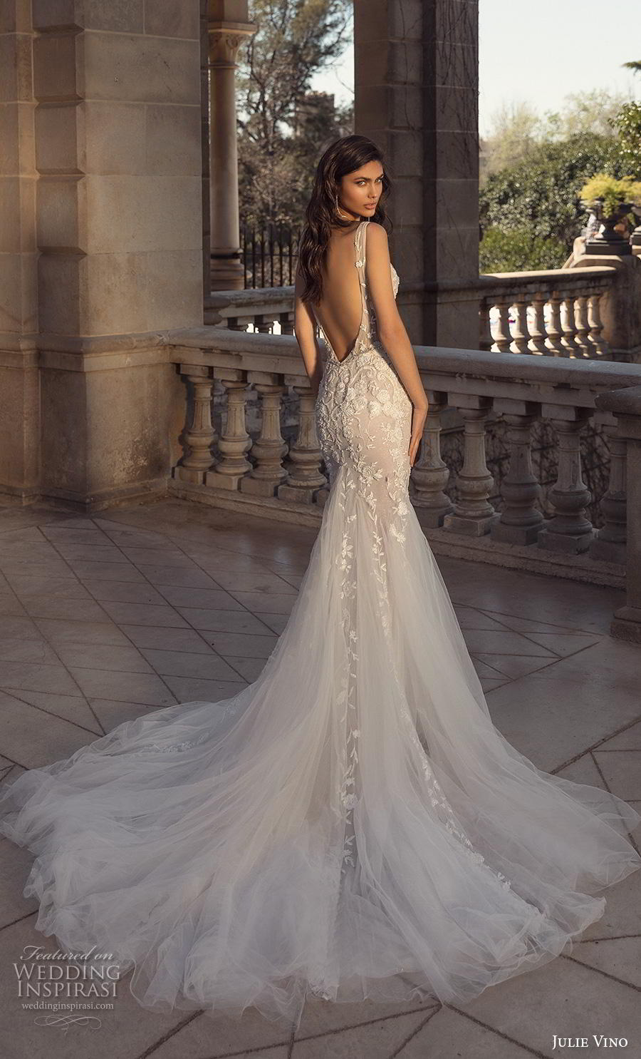 julie vino 2020 barcelona bridal sleeveless deep plunging v neck heavily embellished bodice side open sexy glamorous mermaid wedding dress backless low back chapel train (3) bv