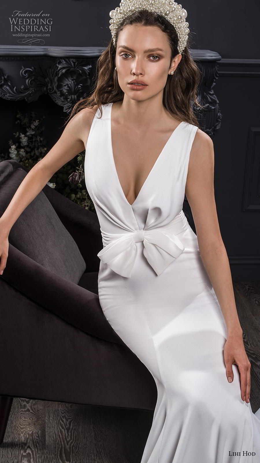 lihi hod spring 2020 bridal sleeveless deep v neck simple minimalist elegant fit and flare wedding dress chapel train (7) zv