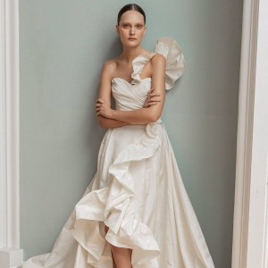 francesca miranda spring 2020 bridal collection featured on wedding inspirasi thumbnail