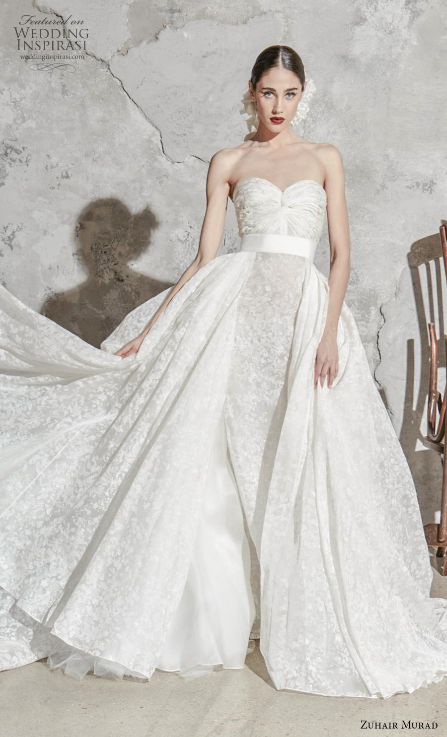 zuhair murad spring 2020 bridal strapless sweetheart neckline full embellishment ruched bodice romantic princess ball gown a  line wedding dress overskirt (4) mv