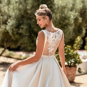 moonlight collection spring 2020 bridal collection featured on wedding inspirasi thumbnail