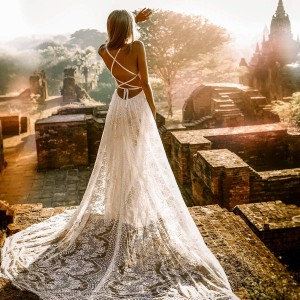 flora and lane 2019 bridal collection featured on wedding inspirasi thumbnail