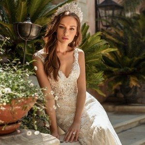 moonlight couture spring 2020 bridal collection featured on wedding inspirasi thumbnail