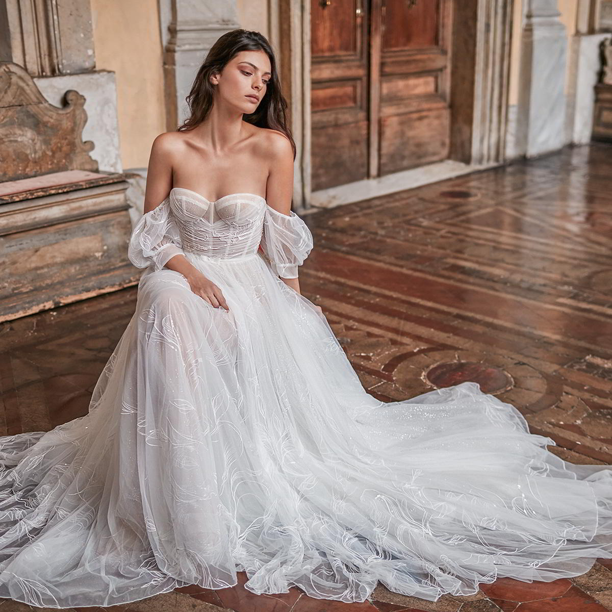 Roman Wedding Gowns: Gali Karten 2020 Wedding Dresses