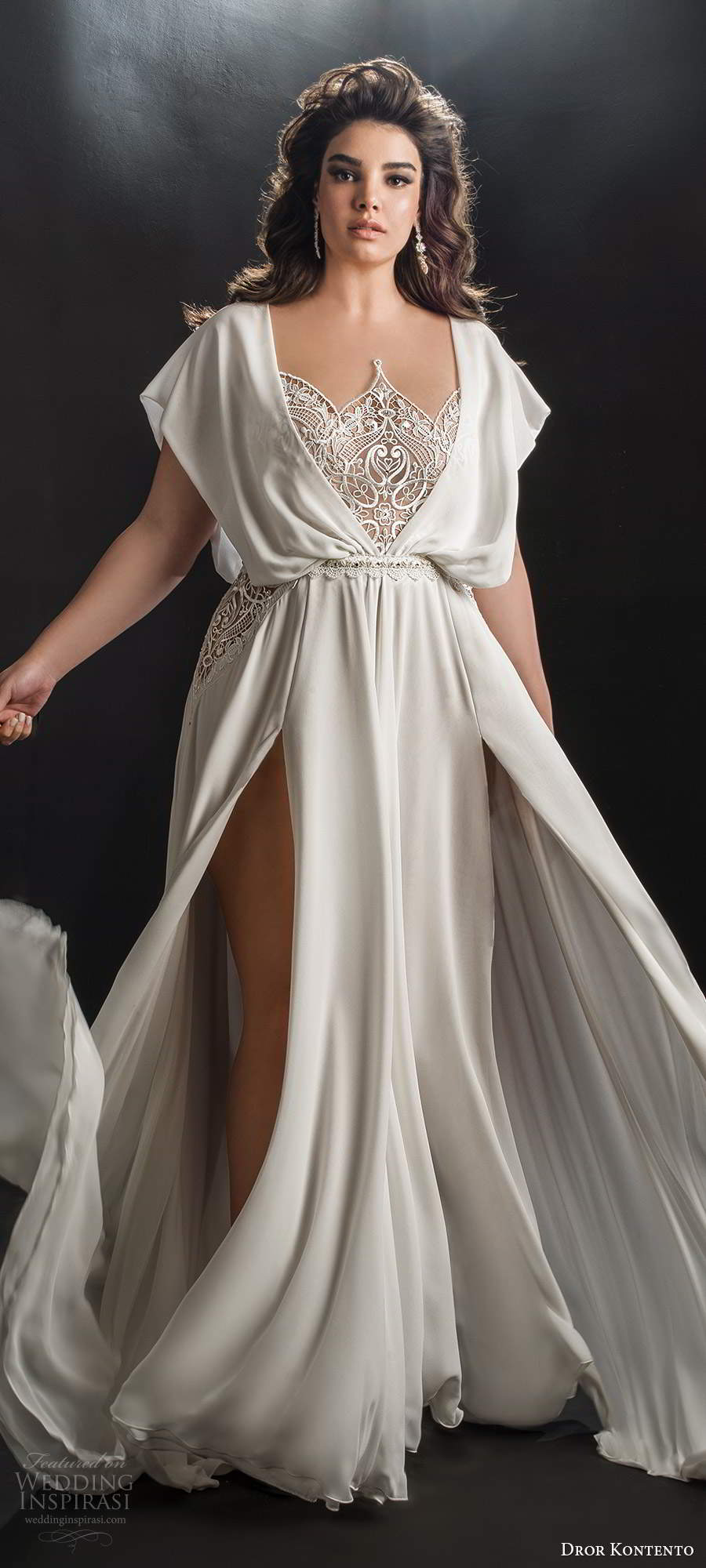 dror kontento 2019 bridal kaftan sleeve scalloped neckline lace bodice double slit skirt a line wedding dress sweep train (6) mv