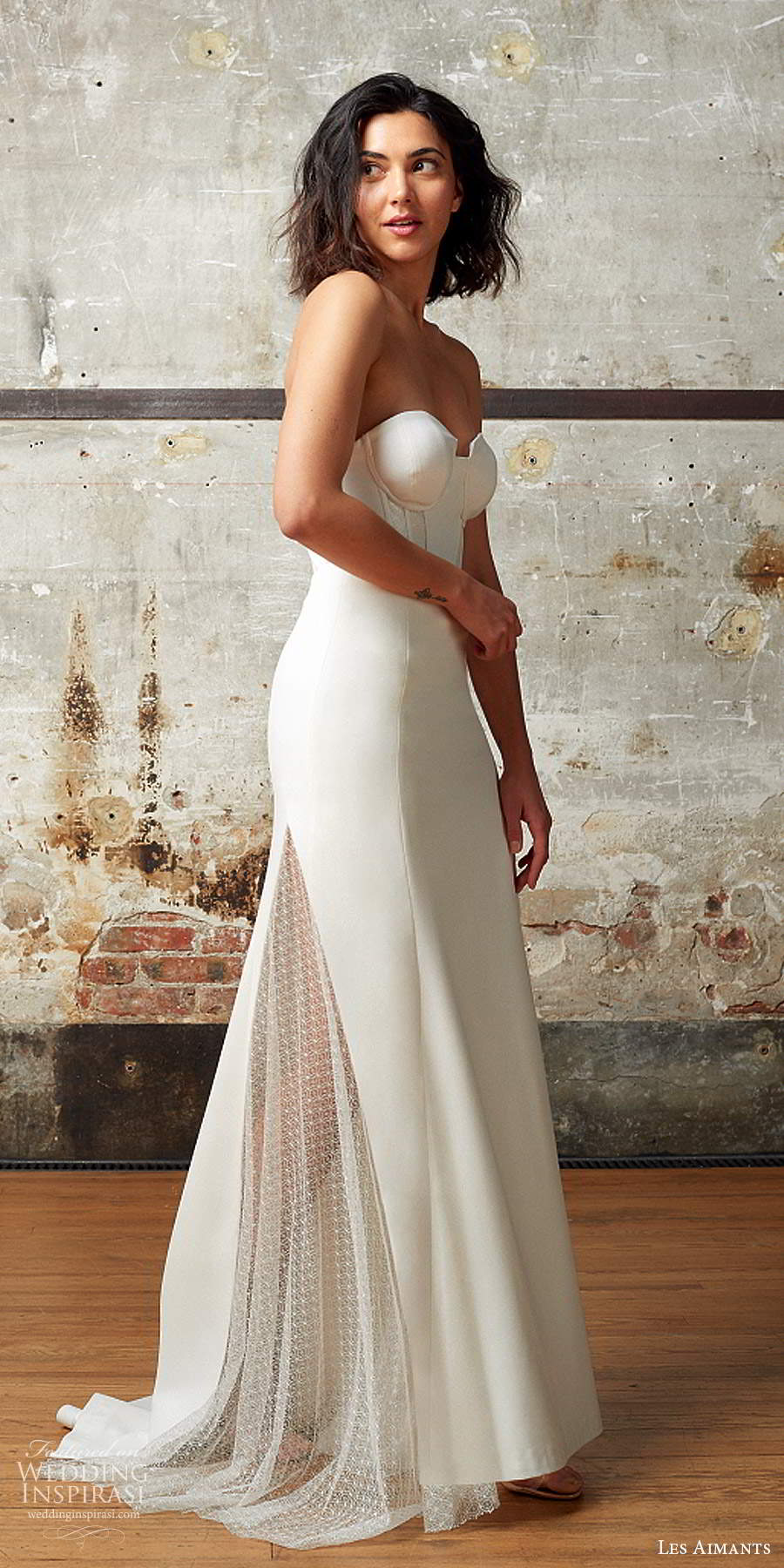 les aimants 2019 bridal strapless sweetheart neckline corset bodice clean minimalist sheath fit flare mermaid wedding dress chapel train (11) mv