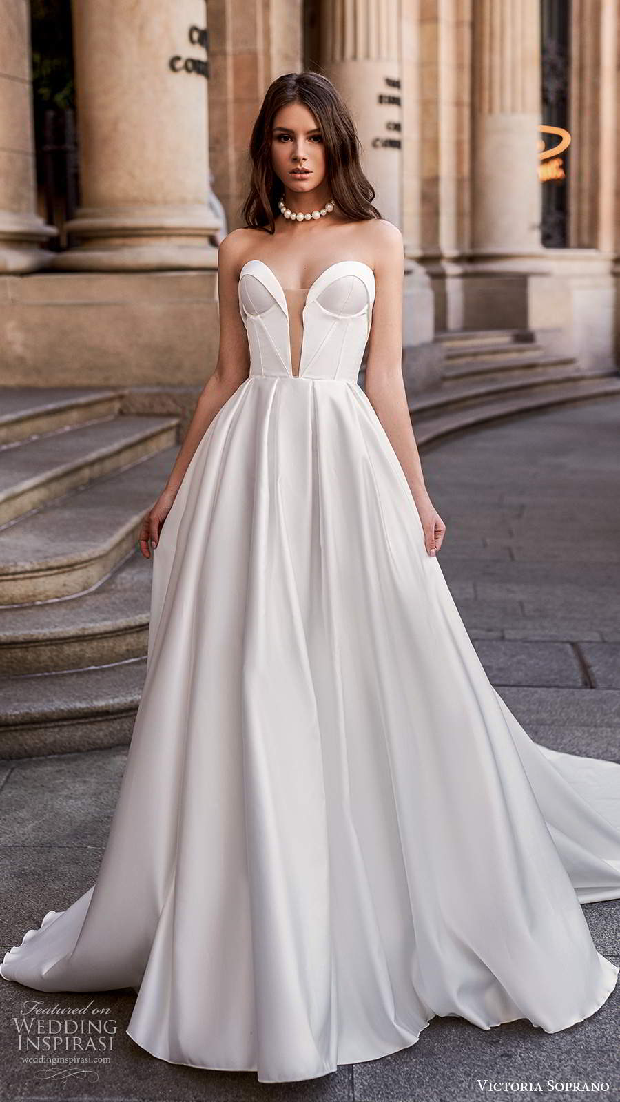 Your Guide To 2020 S Hottest Wedding Dress Trends Part 2 Necklines And Backs Wedding Inspirasi