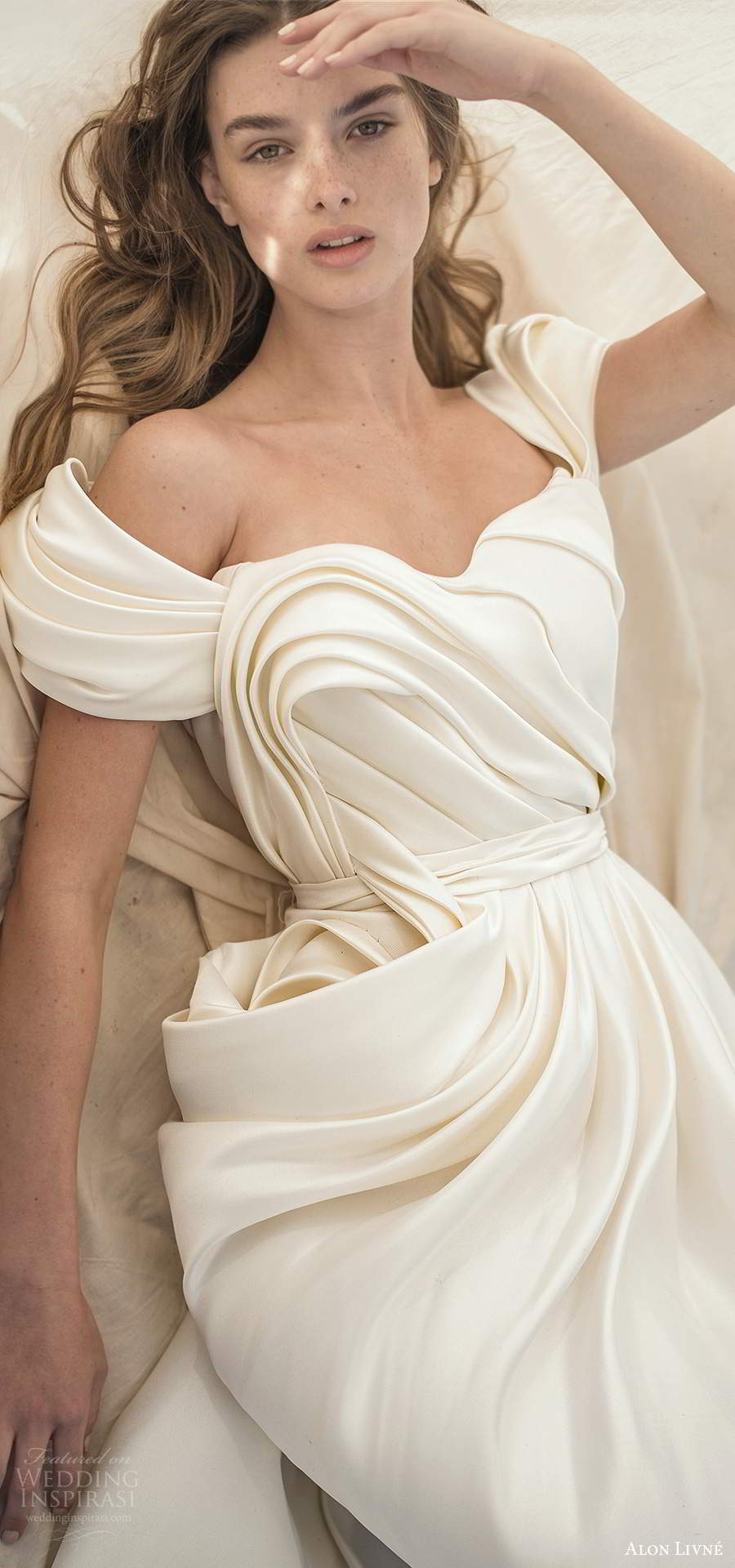 alon livne fall 2020 bridal off shoulder short sleeves semi sweetheart neclkine ruched bodice a line ball gown wedding dress (4) lv