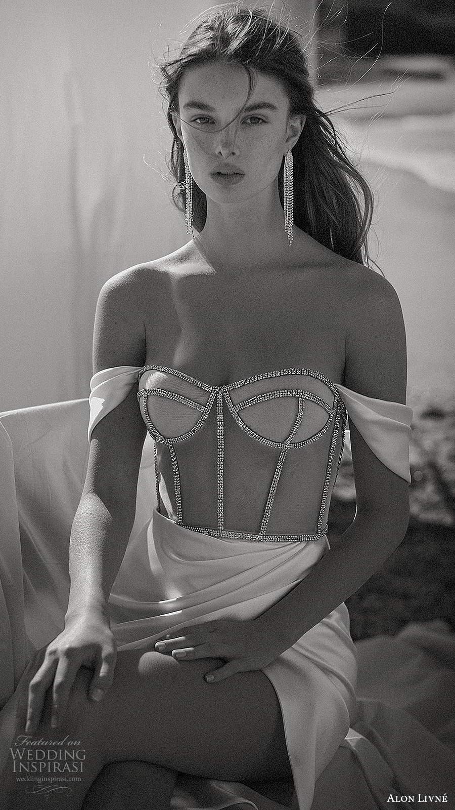alon livne fall 2020 bridal off shoulder straps semi sweetheart neckline sheer corset bodice sheath wedding dress slit skirt (12) zv