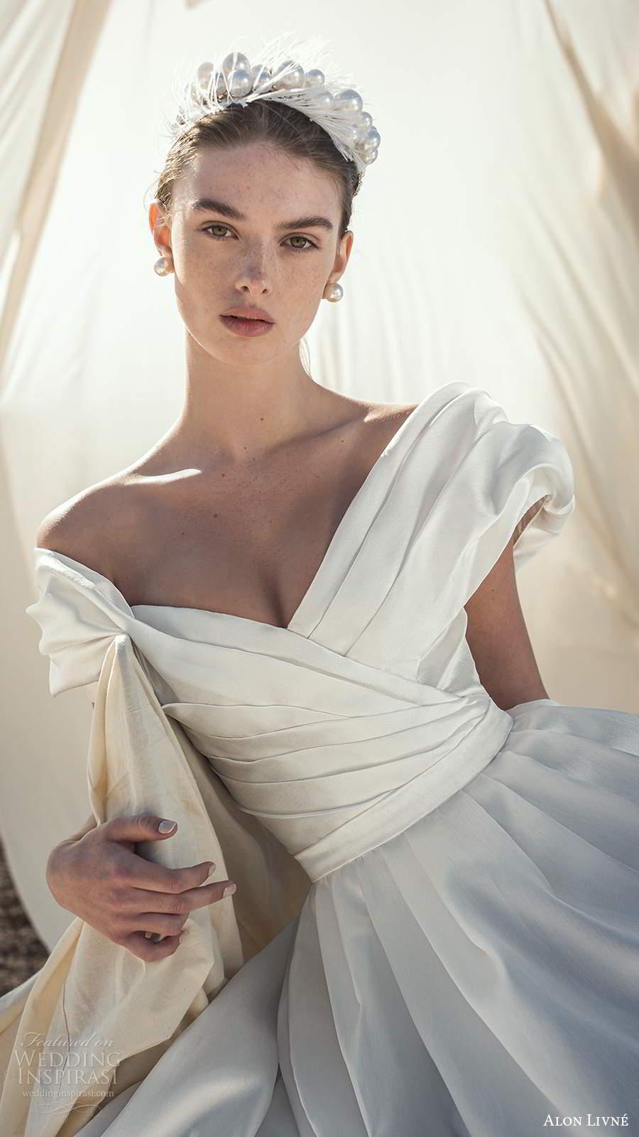 alon livne fall 2020 bridal short puff sleeves off shoulder v neckline pleated bodice a line ball gown wedding dress (1) zv