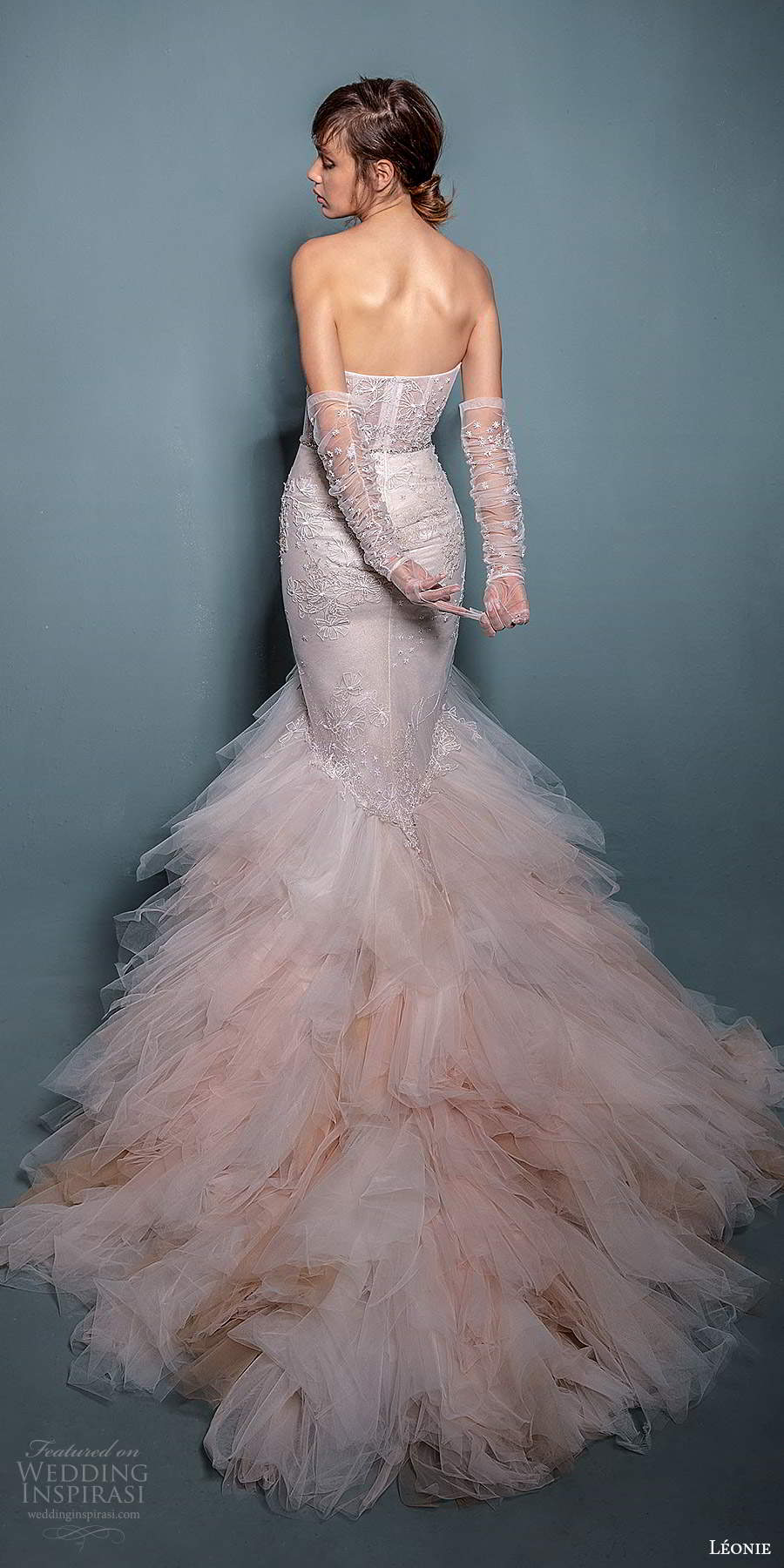 leonie bridal 2020 bridal strapless sweetheart neckline embellished fit flare mermaid wedding dress chapel train gloves (3) bv