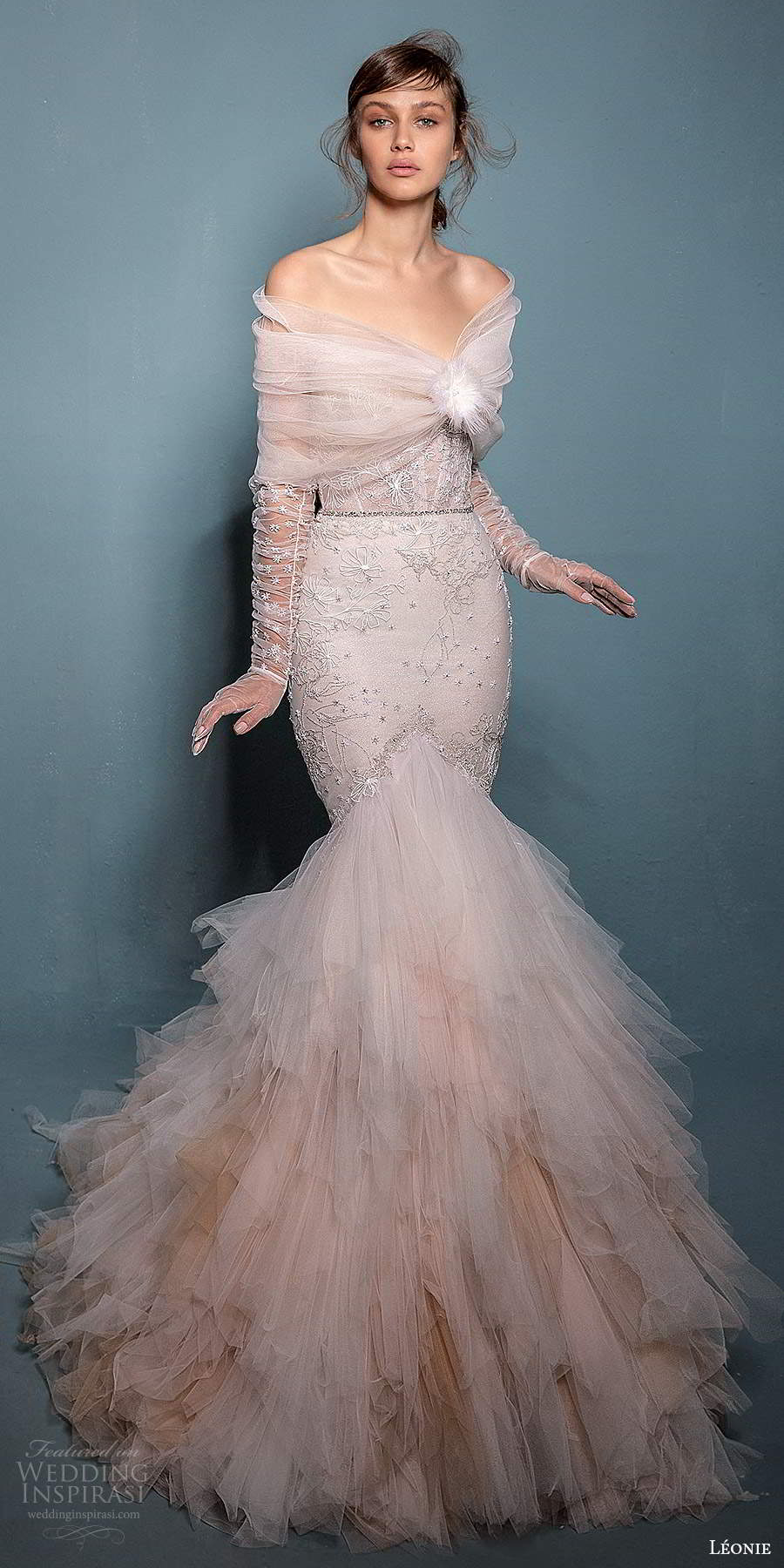 leonie bridal 2020 bridal strapless sweetheart neckline embellished fit flare mermaid wedding dress chapel train offshoulder shawl capelet (3) mv