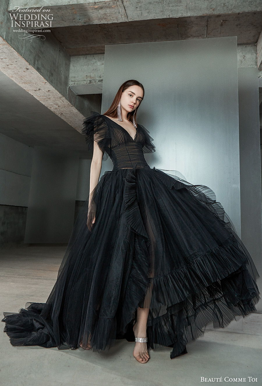 beaute comme toi 2021 bridal short butterfly sleeves v neck ruched bodice bohemian black wedding dress v back chapel train (dorothy) mv