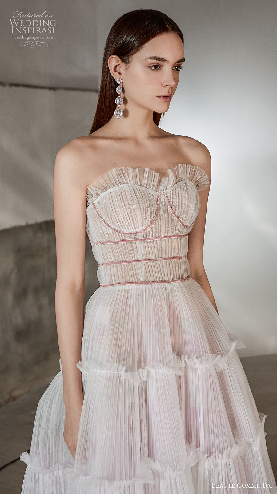 beaute comme toi 2021 bridal strapless sweetheart neckline pleated bodice romantic bohemian a  line wedding dress mid back sweep train (rosalee) zv