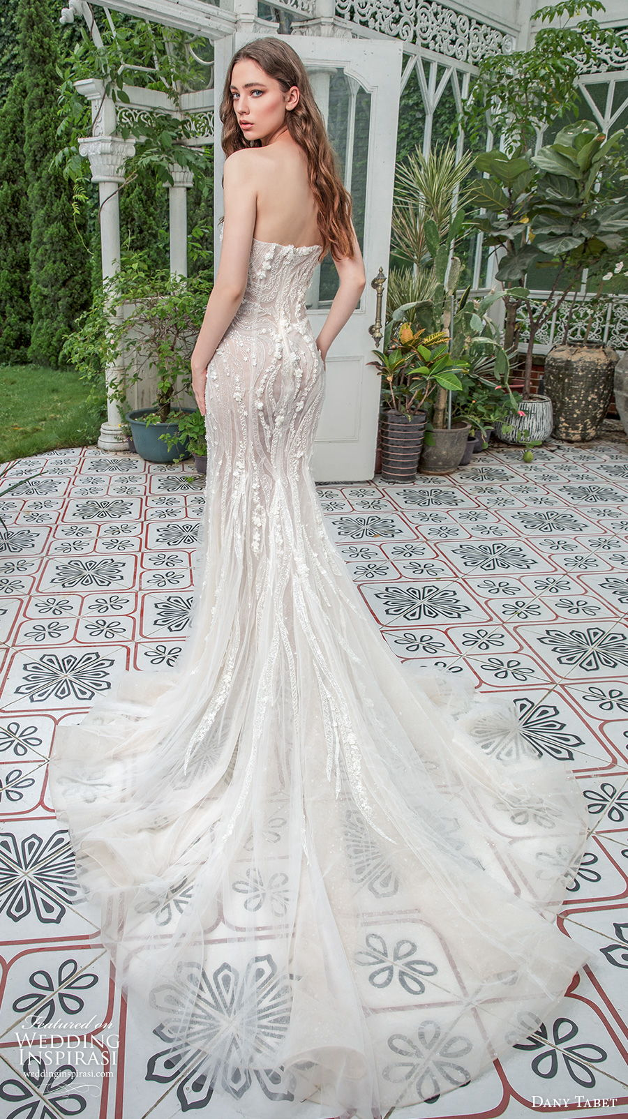 dany tabet 2021 emerge bridal strapless semi sweetheart neckline heavily embellished bodice glamorous champagne fit and flare wedding dress mid back chapel train (9) bv