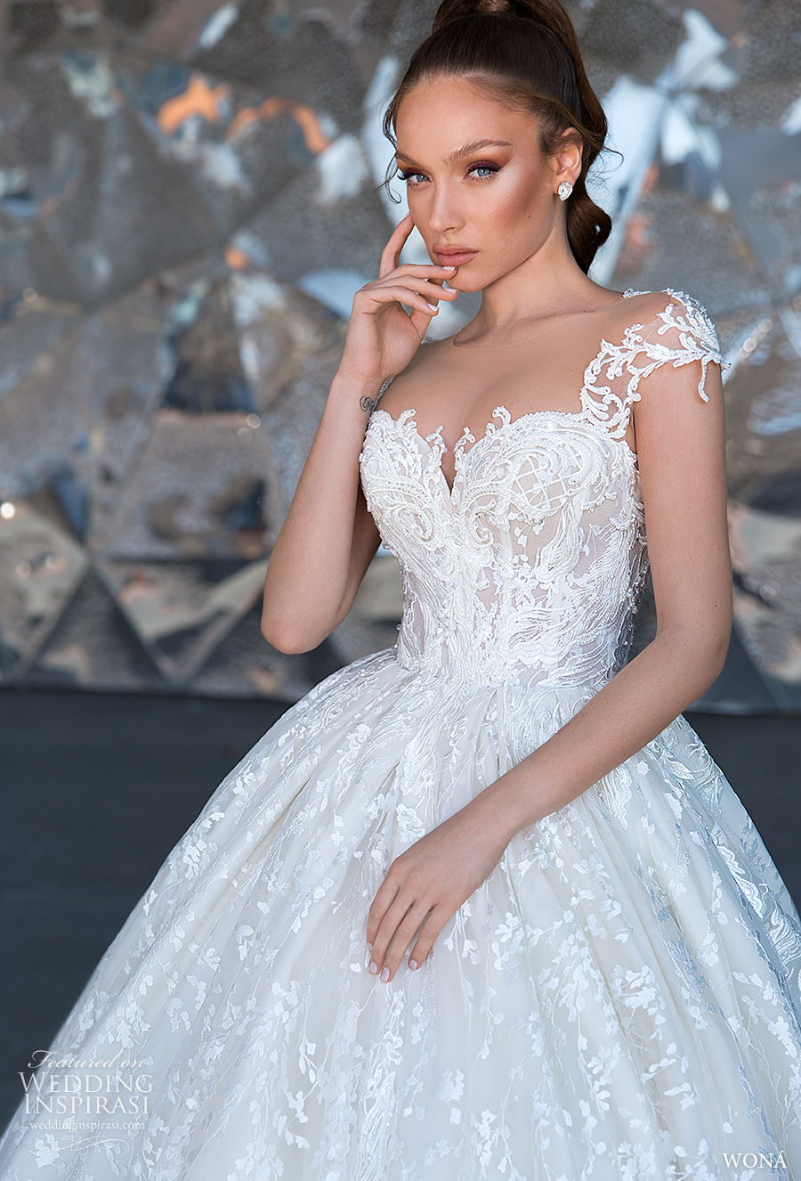 wona 2020 diva bridal cap sleeves sweetheart neckline full embellishment bustier princess ball gown a  line wedding dress mid back royal train (11) zv