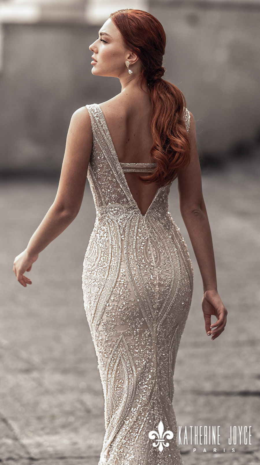 katherine joyce 2021 naples bridal sleeveless deep v neck full embellishment glitter glamorous elegant gold sheath wedding dress v back sweep train (sirena) bv