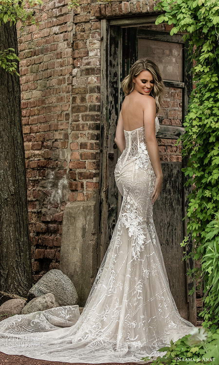 naama and anat 2021 bridal off shoulder sweetheart neckline fully embellished mermaid wedding dress a line ball gown overksirt oatmeal chapel train (4) bv