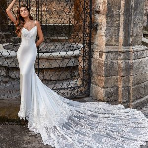 moonlight couture spring 2021 bridal collection featured on wedding inspirasi thumbnail