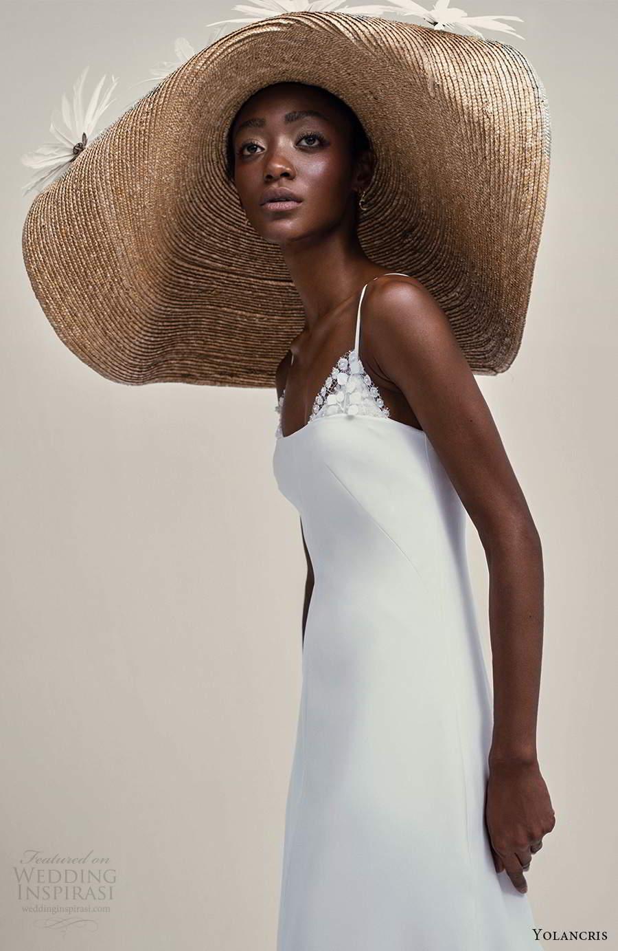 yolancris 2021 bridal sleeveless thing straps scoop neckline a line wedding dress chapel train (12) zv