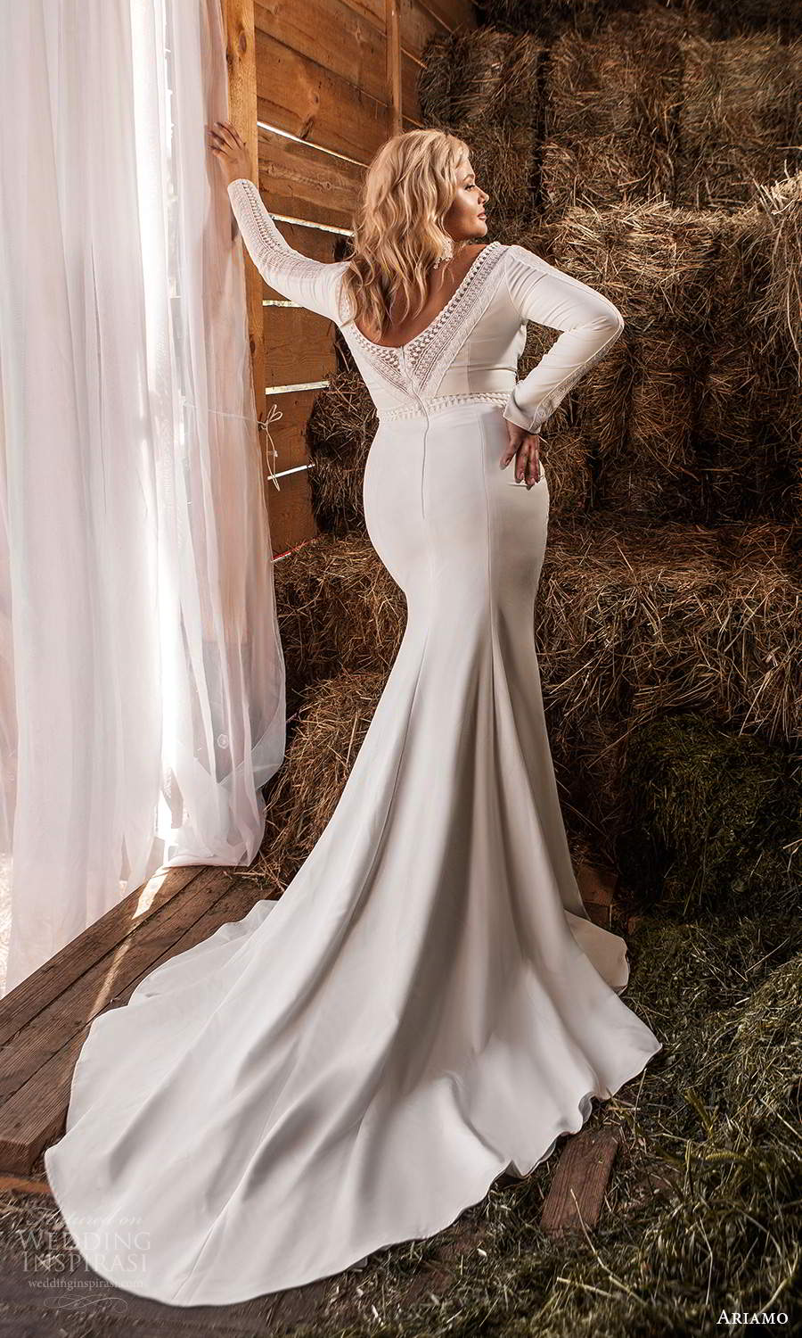 ariamo 2021 plus bridal long sleeves plunging v neckline clean minimalist mermaid sheath wedding dress chapel train (4) bv