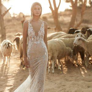 liz martinez fall 2021 bridal collection featured on wedding inspirasi thumbnail