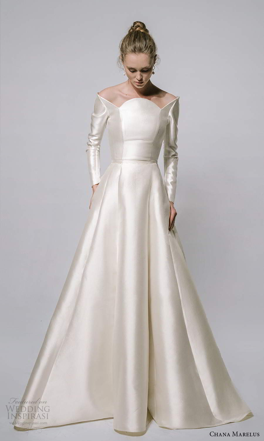 chana marelus 2021 bridal long sleeves scalloped neckline clean minimalist a line ball gown wedding dress pockets (2) mv