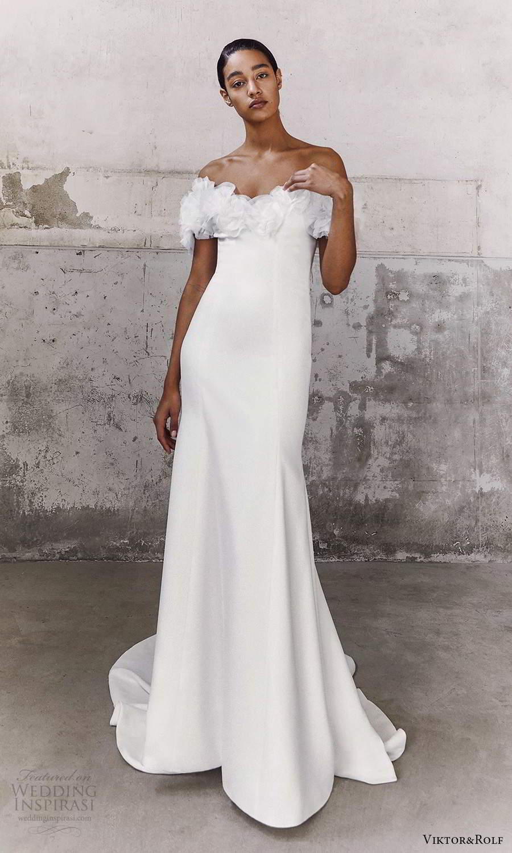 viktor and rolf fall 2021 bridal off shoulder straps sweetheart neckline clean minimalist mermaid wedding dress chapel train (17) mv