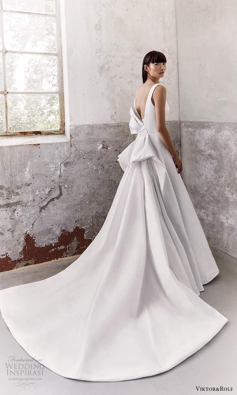 viktor and rolf fall 2021 bridal sleeveless thick straps square neckline clean minimalist a line wedding dress bow back chapel train (12) bv