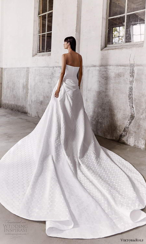 viktor and rolf fall 2021 bridal strapless straight across neckline clean modern a line ball gown wedding dress slit skirt chapel train (8) bv