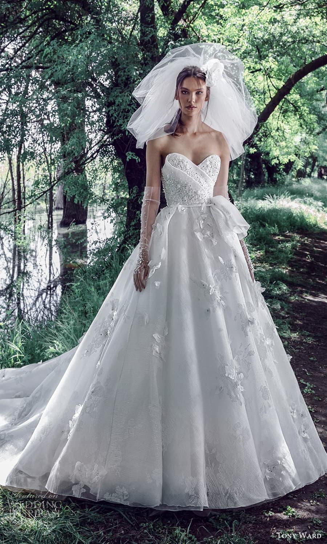 tony ward spring 2022 bridal strapless sweetheart neckline embellished bodice a line ball gown wedding dress chapel train (11) mv