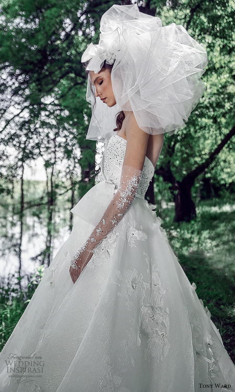 tony ward spring 2022 bridal strapless sweetheart neckline embellished bodice a line ball gown wedding dress chapel train (11) zsv