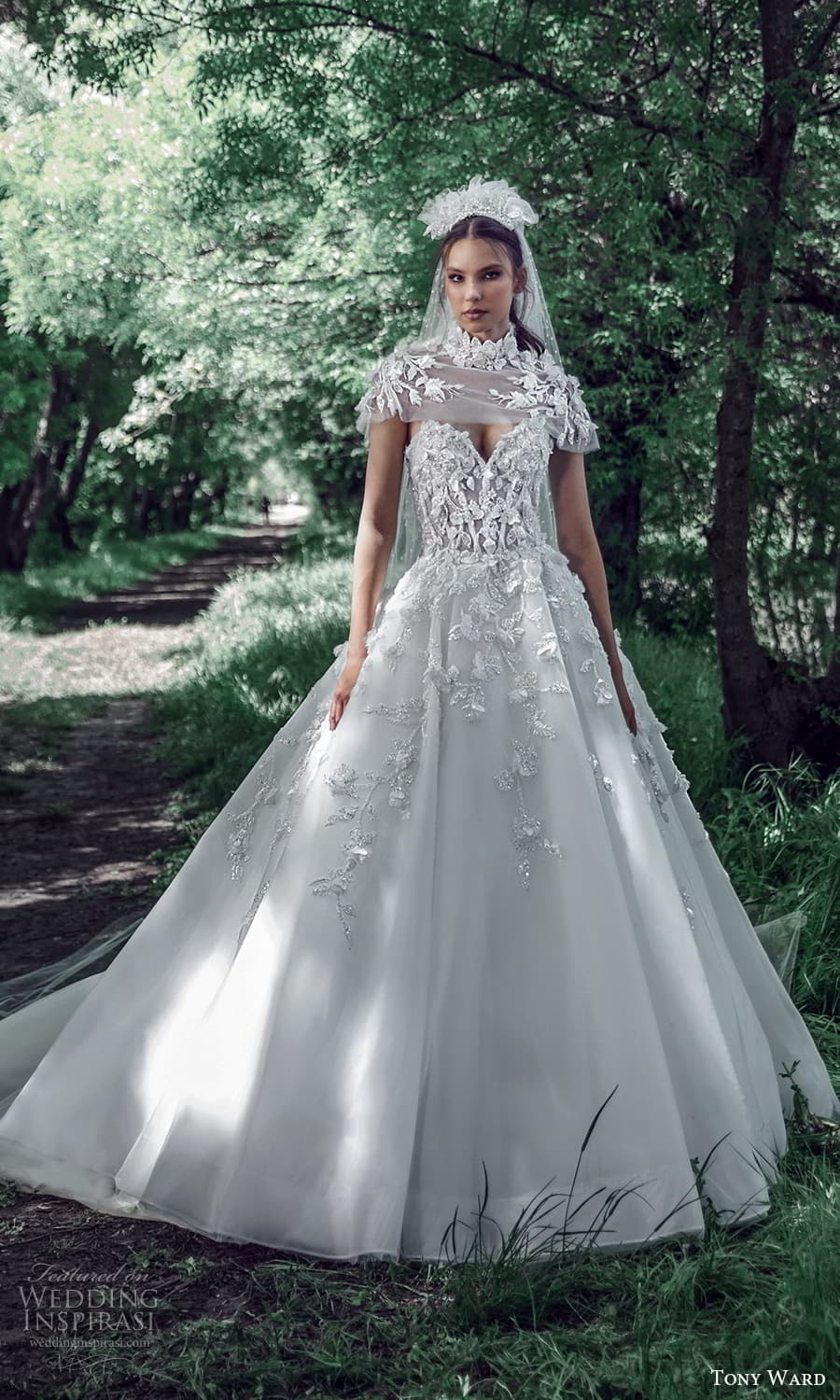tony ward spring 2022 bridal strapless sweetheart neckline fully embellished a line ball gown wedding dress high neck capelet (10) mv