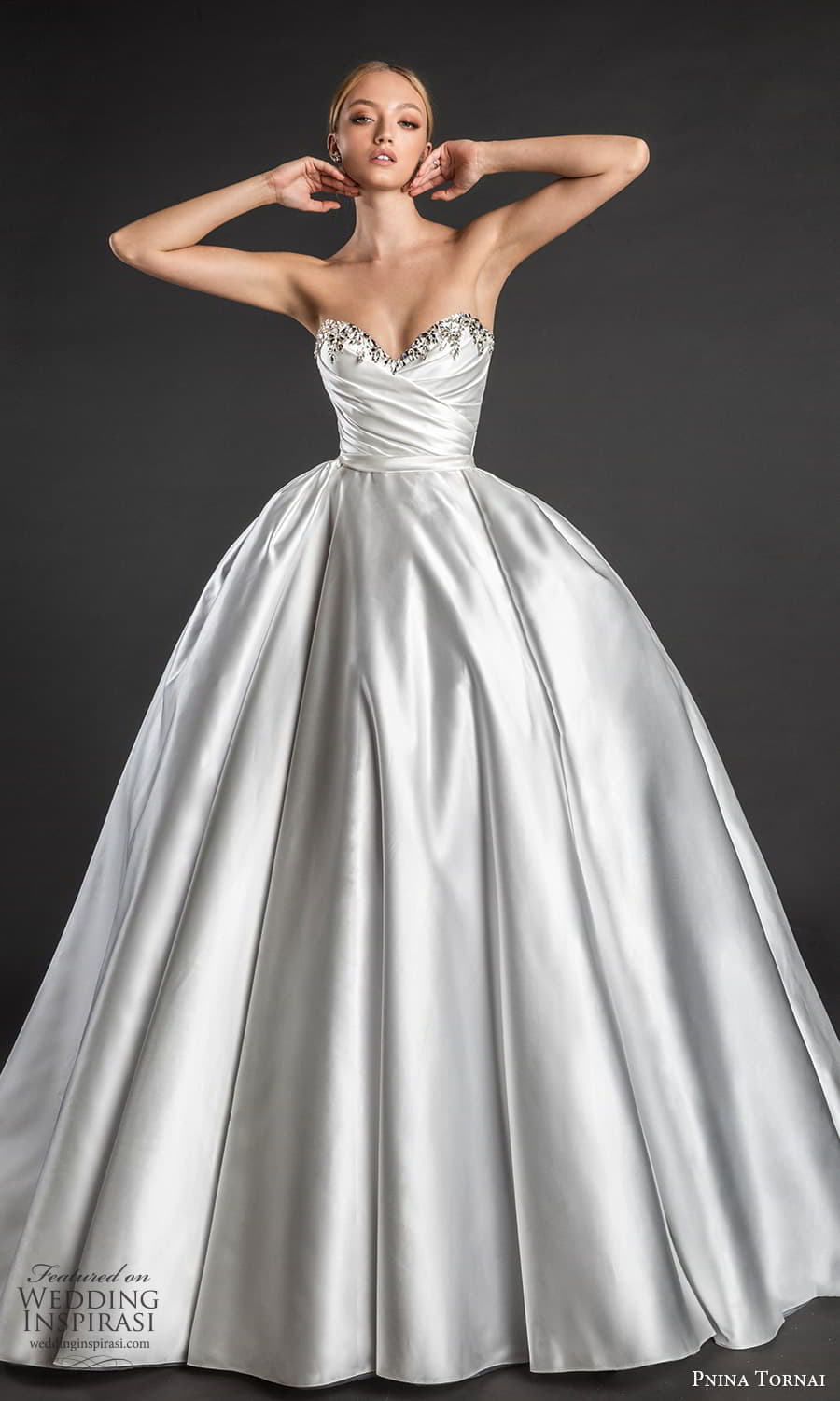 pnina tornai 2022 love bridal strapless embellished sweetheart neckline ruched bodice minimalist a line ball gown wedding dress chapel train bow back (3) fv