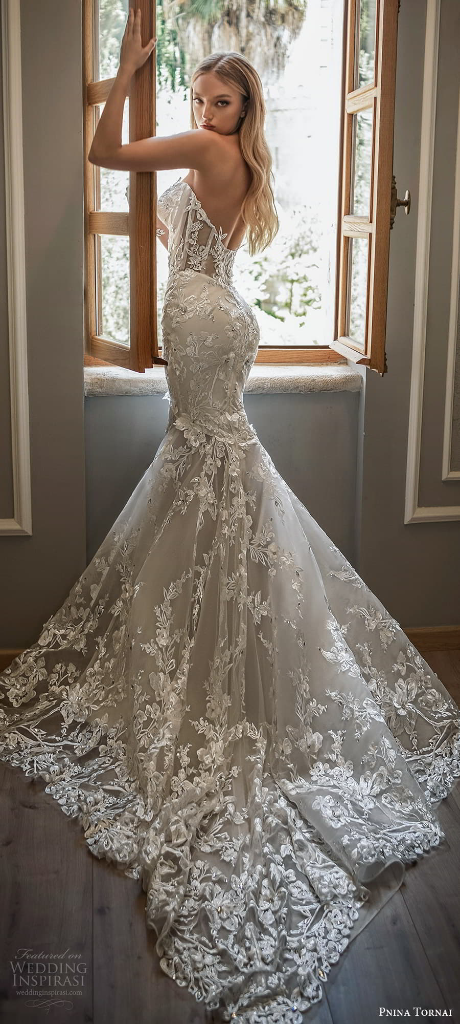 pnina tornai 2022 love bridal strapless sweetheart neckline fully embellished lace fit flare mermaid wedding dress chapel train (15) bv